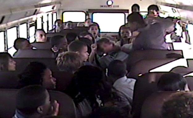 schoolbusfight625